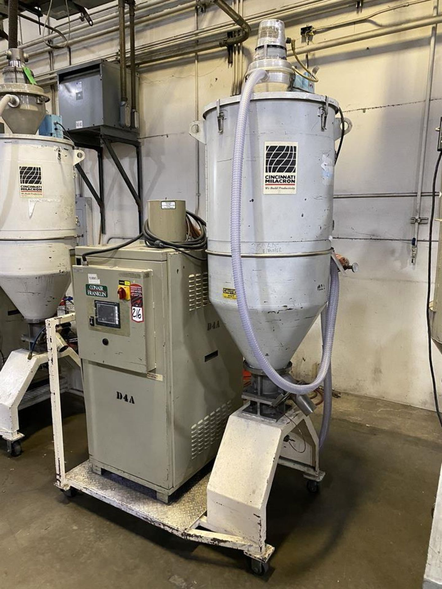 Lot 216 - Conair Franklin DBAA04S030000 Hopper Dryer System, s/n D51083, Cincinnati Milacron Hopper, Vacuum
