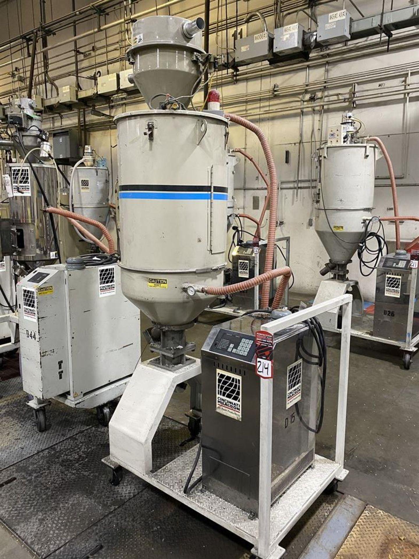 Lot 214 - Cincinnati Milacron DD-110 Hopper Dryer System, s/n 3933A02-98-29, w/ Vacuum Loader