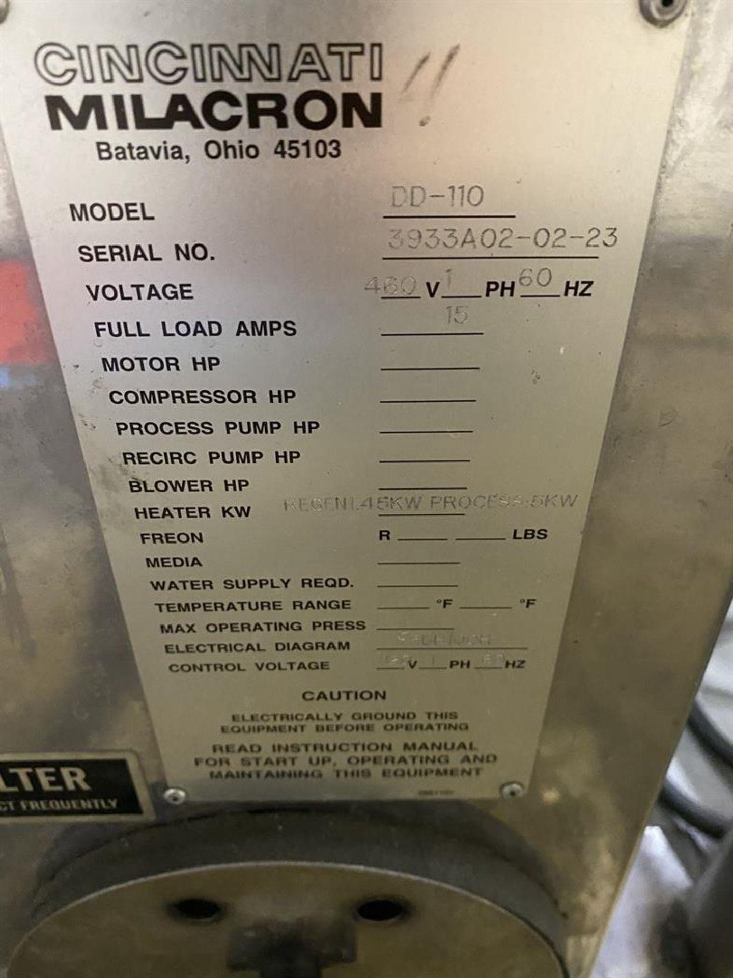 Lot 212 - Cincinnati Milacron DD-110 Hopper Dryer System, s/n 3933A02-02-23, w/ Vacuum Loader