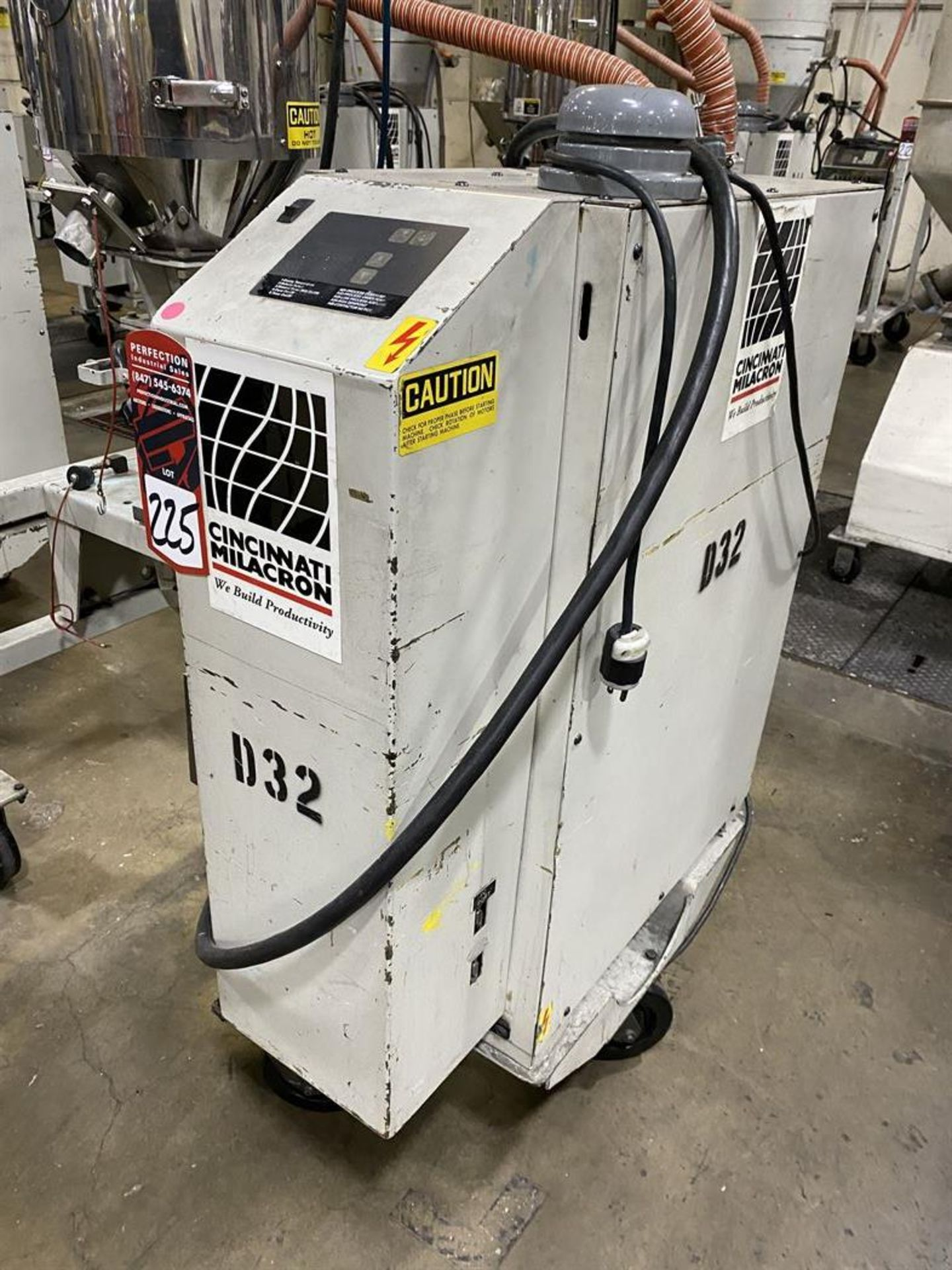 Lot 225 - Cincinnati Milacron M-GS-60 Hopper Dryer System, s/n 3933A01-04-31, w/ Vacuum Loader