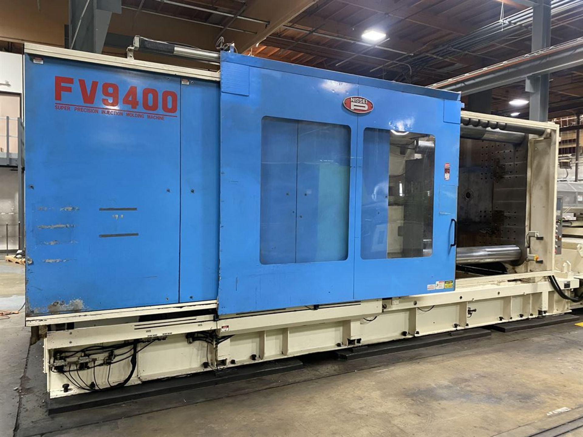 Lot 200 - NISSEI FV9400 1450 Ton Hydraulic Injection Molder, s/n SJ94S003, w/ 400 oz Shot Size, GP Screw