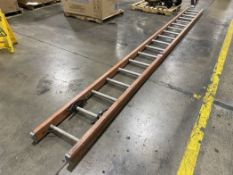 Unknown Make 18' Fiberglass Straight Ladder