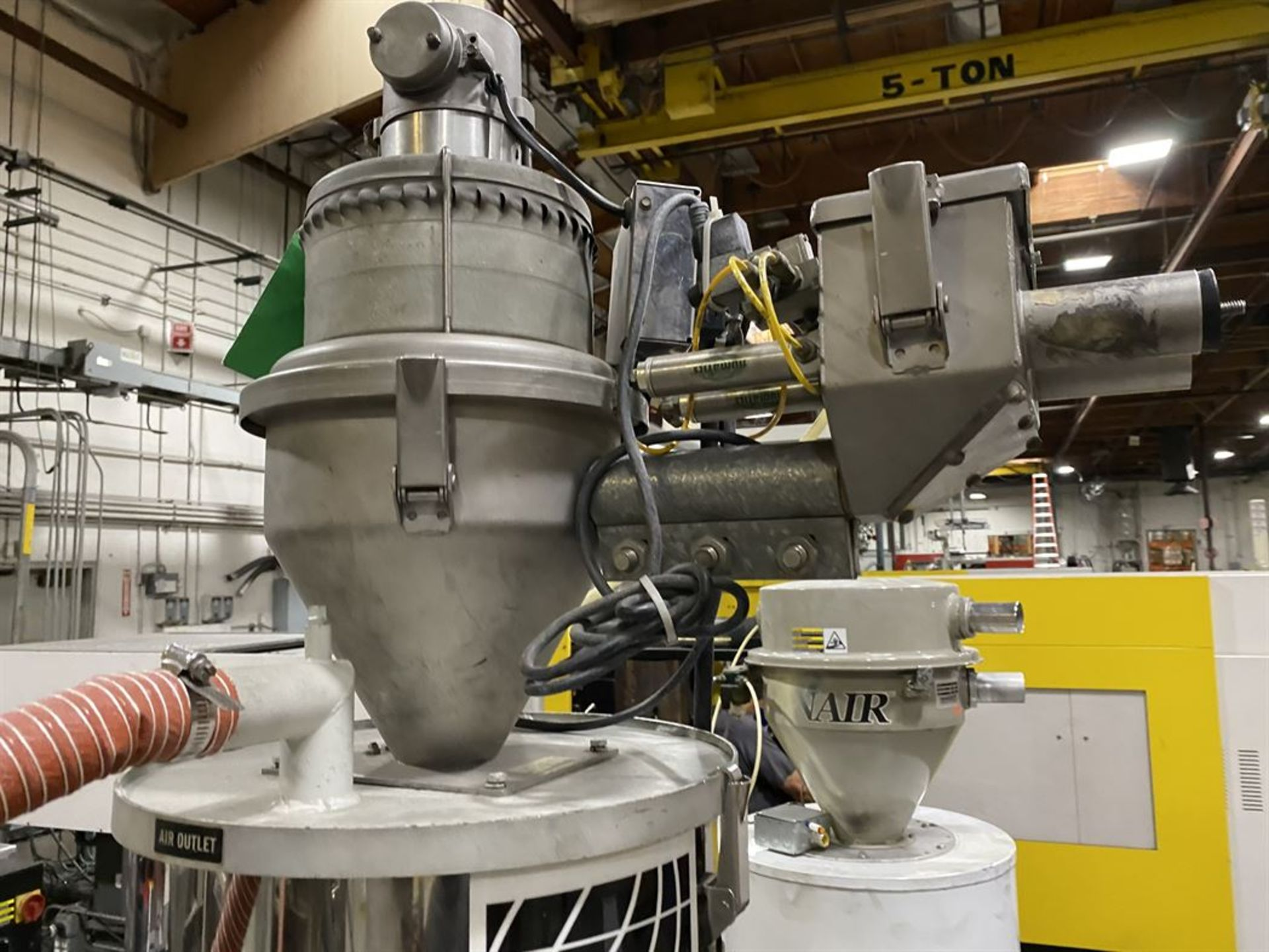 Lot 223 - Cincinnati Milacron M-GS-60 Hopper Dryer System, s/n 3933A01-05-47, w/ Vacuum Loader