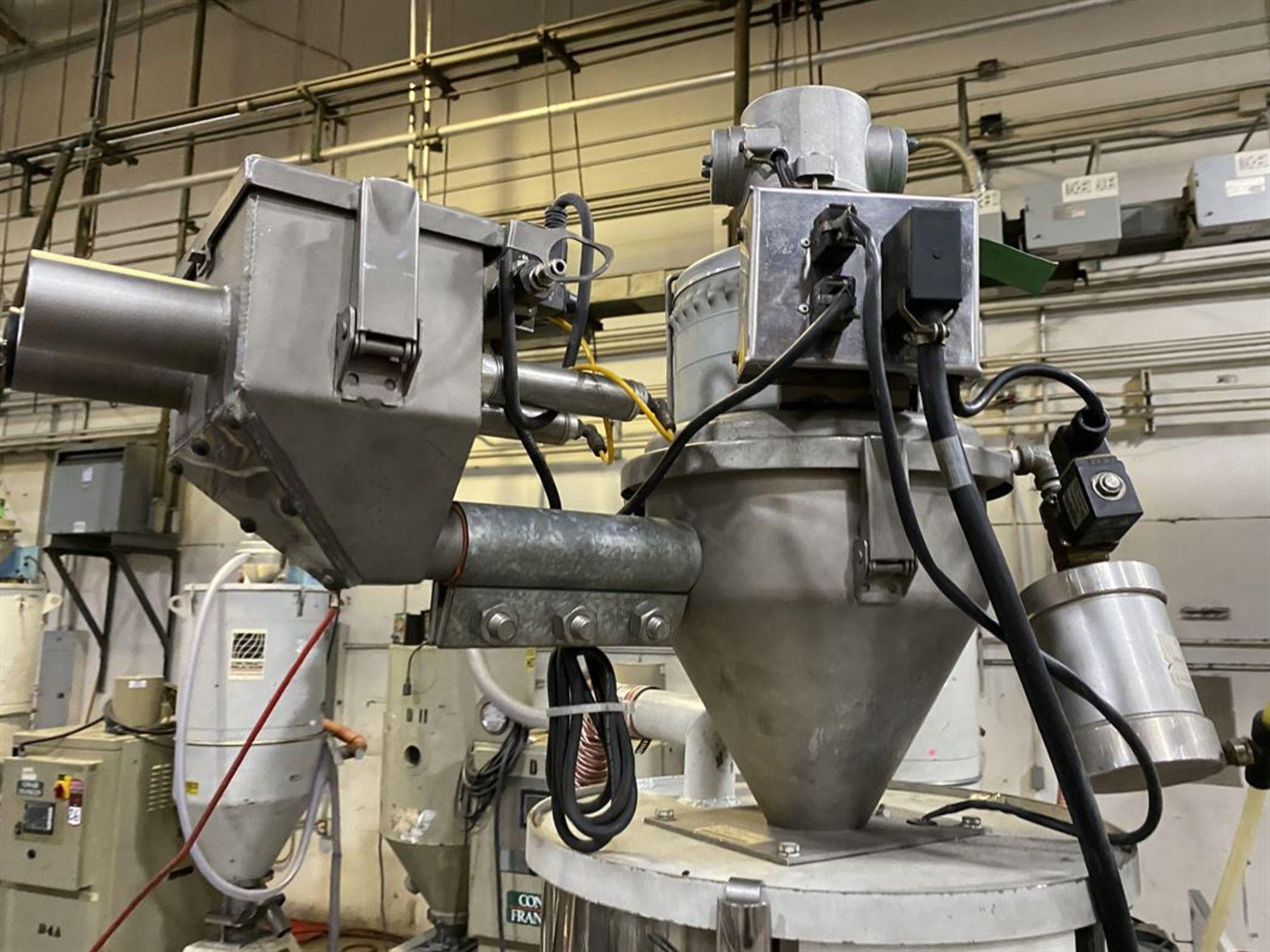 Lot 222 - Cincinnati Milacron M-GS-60 Hopper Dryer System, s/n 3933A01-05-49, w/ Vacuum Loader