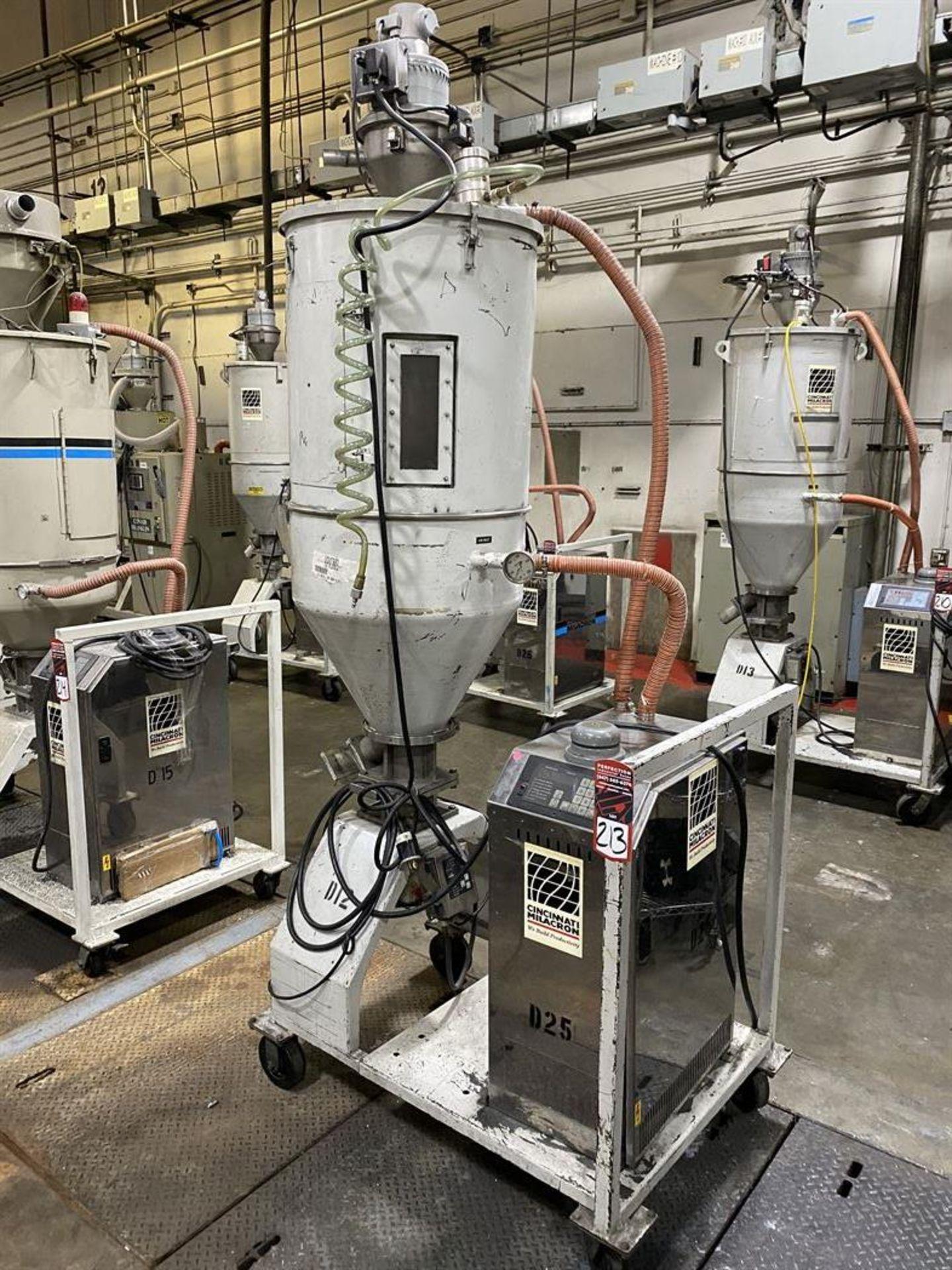 Lot 213 - Cincinnati Milacron DD-110 Hopper Dryer System, s/n 3933A02-02-24, w/ Vacuum Loader