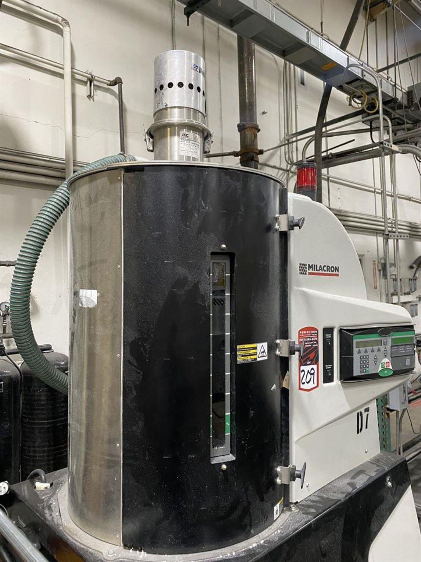 Lot 209 - Cincinnati Milacron MDCW75 Hopper Dryer System, s/n na, w/ Vacuum Loader