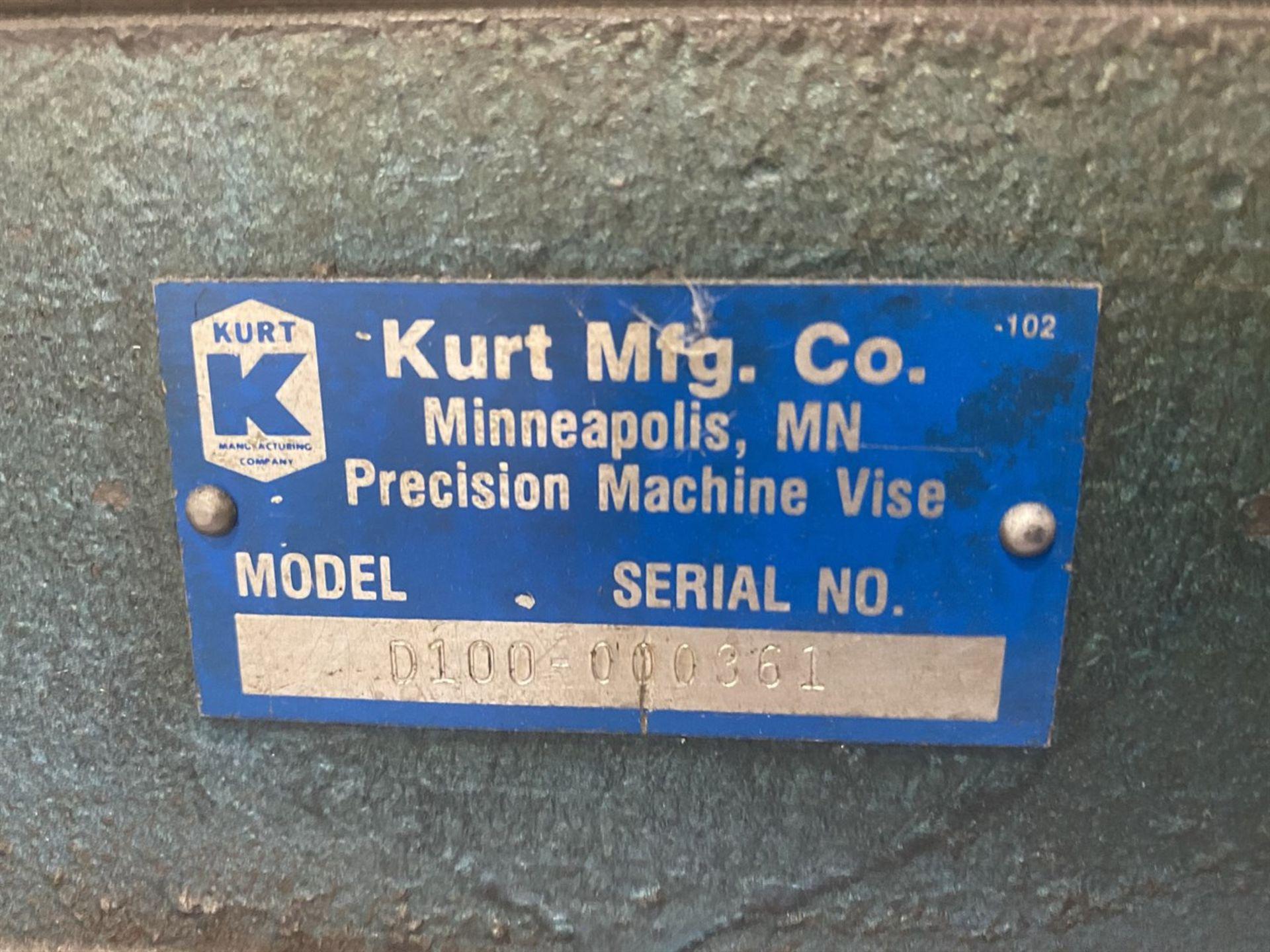 "Lot 33 - KURT D100 10"" Machine Vise, s/n 000361"