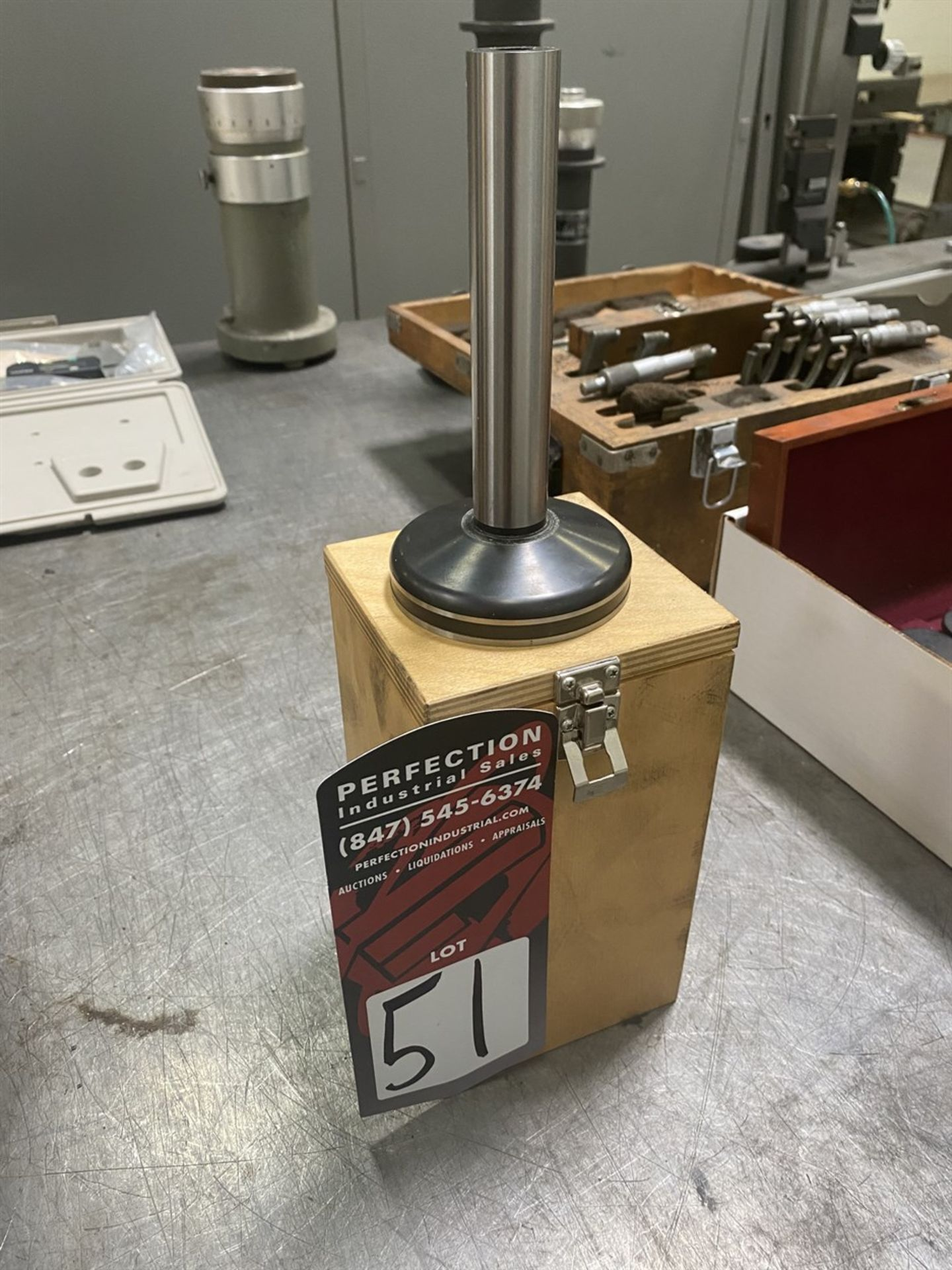 Lot 51 - Suburban Magnetic Cylindrical Square