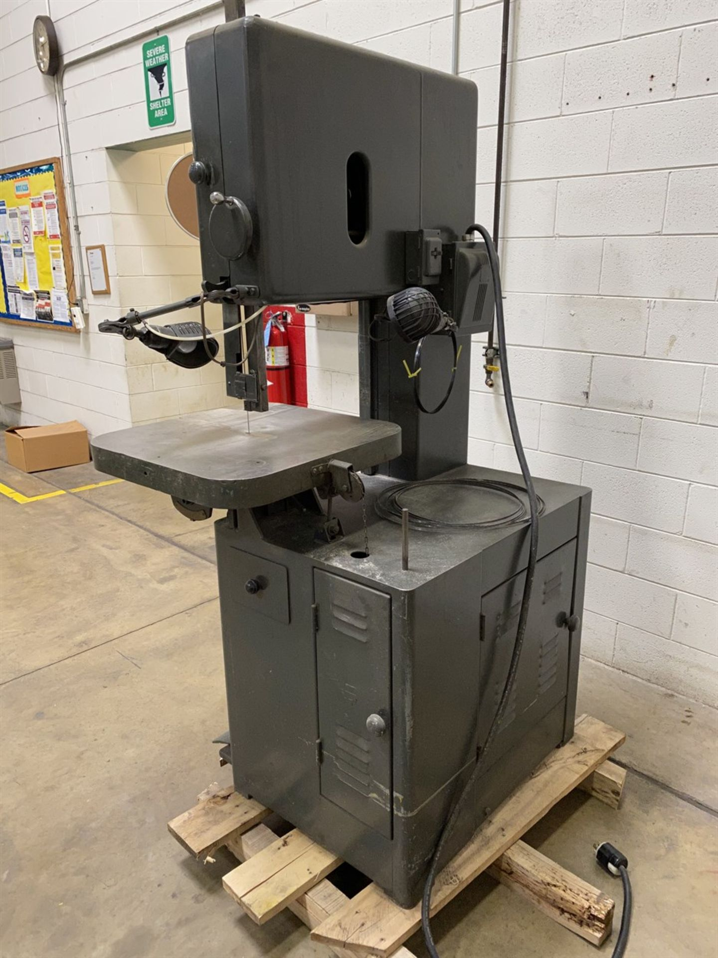 Lot 15 - GROB NS18 Vertical Bandsaw, s/n 9420