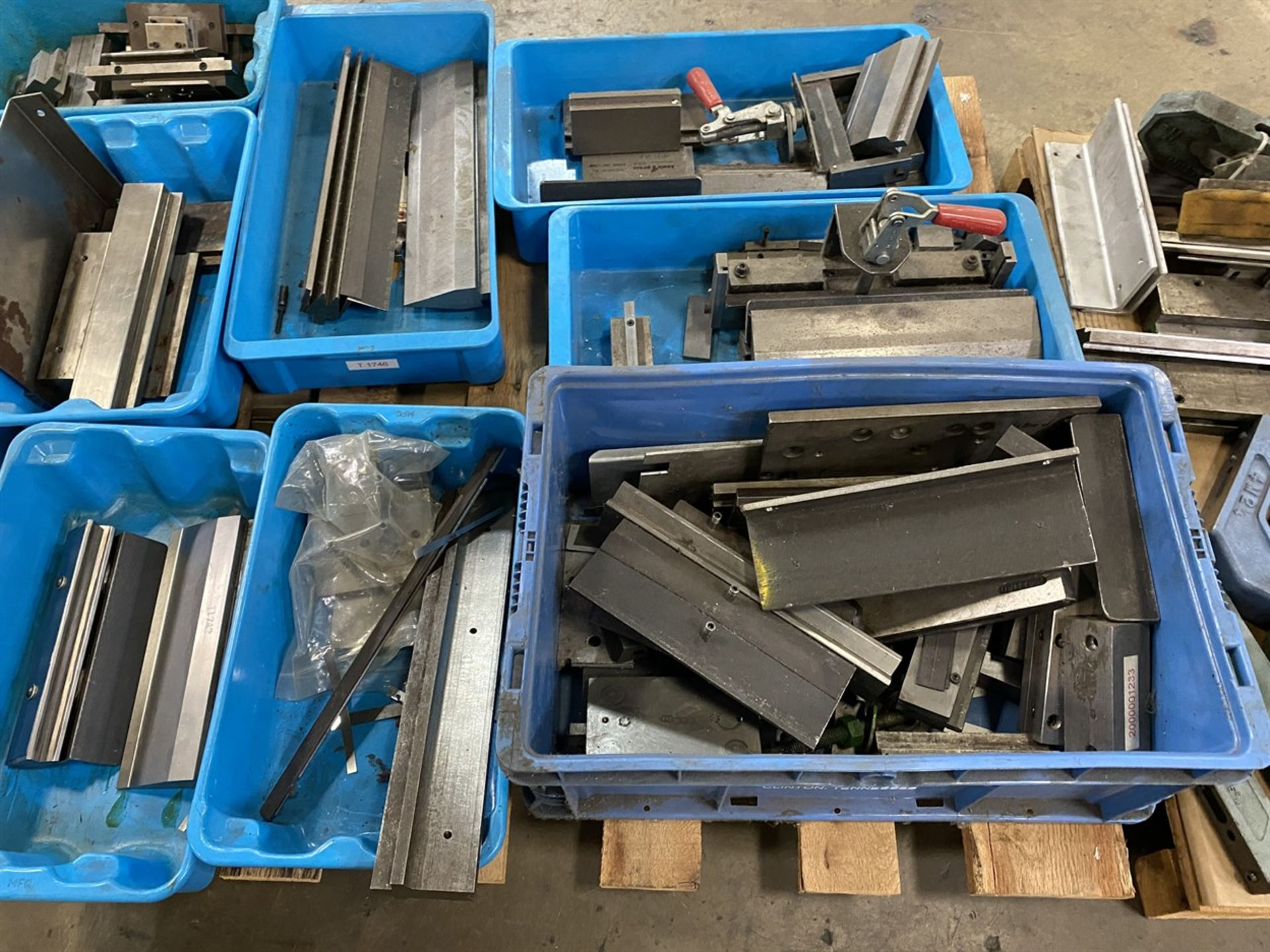 Lot 29 - Lot of Assorted Press Brake and Punch Tooling