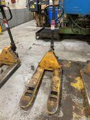ULINE H-1366 5500 Lb. Industrial Pallet Jack