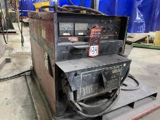 LINCOLN DC-600 Multi-Process Welder, s/n U1070501834, w/ LINCOLN Double Header DH-10 Wire Feed and