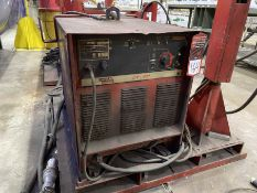 LINCOLN CV-400 MIG Welder, s/n U1990306987, w/ LINCOLN LN-7 Wire Feed and Boom