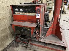 LINCOLN IDEALARC DC-600 Arc Welder, s/n U1930404680, w/ LINCOLN LN-9 Wire Feed and Boom