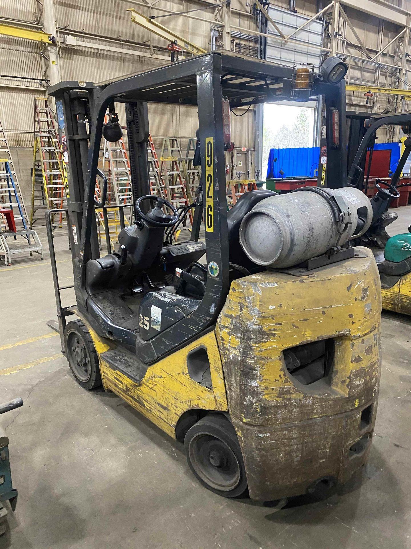 """KOMATSU FG25ST-16 5,000 Lb. LPG Forklift, s/n A234349, Two-Stage Mast, Side Shift, 48"""" Fork - Image 4 of 8"""