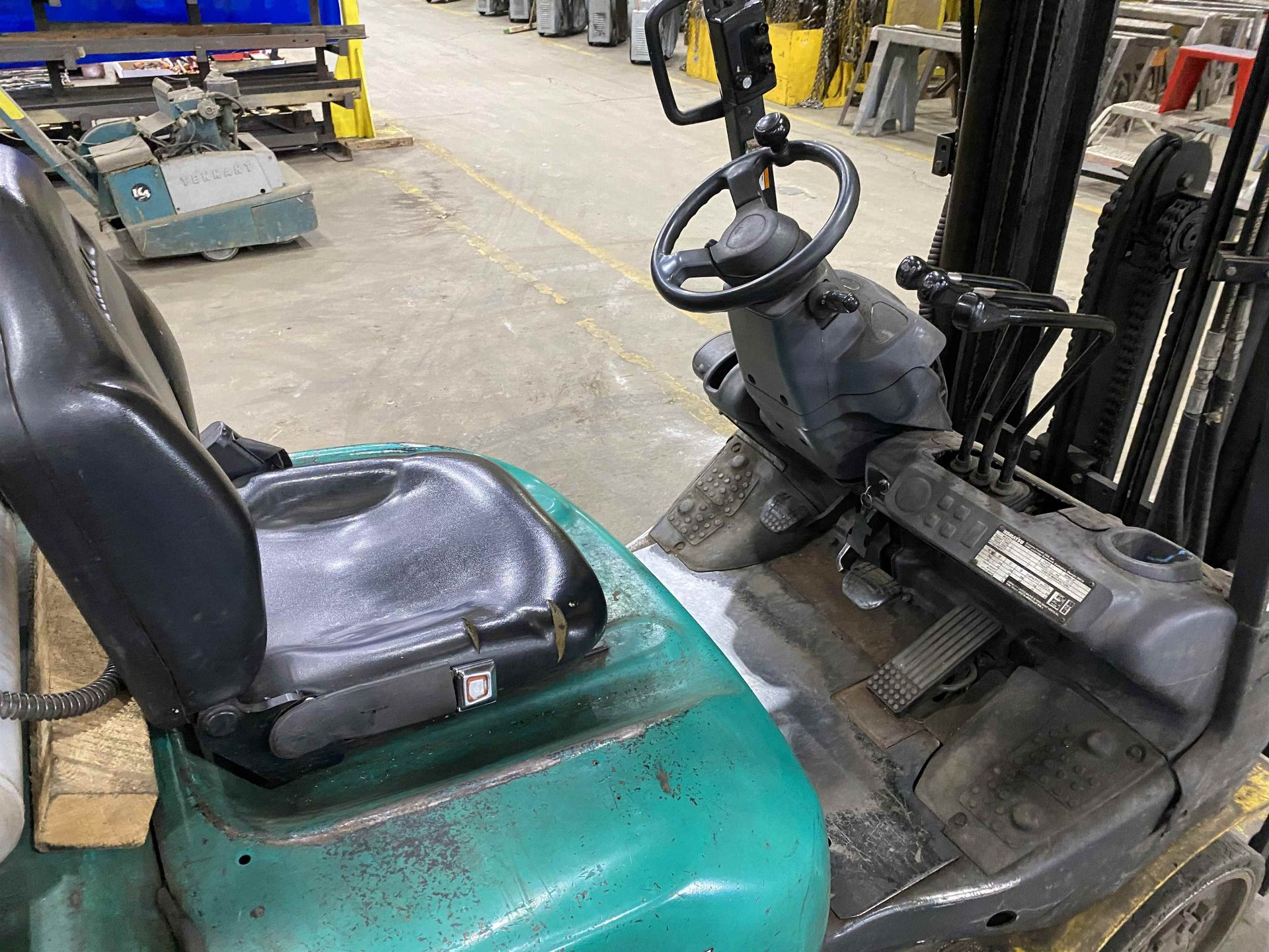 """KOMATSU FG25ST-16 5,000 Lb. LPG Forklift, s/n 214232A, Two-Stage Mast, Side Shift, 48"""" Fork - Image 4 of 7"""