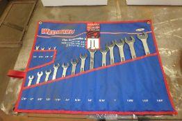WESTWARD 17 Piece Combination Wrench Set, w/ Case