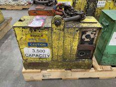 MAGNALIFT 3,500 Lb. Electric Lifting Magnet