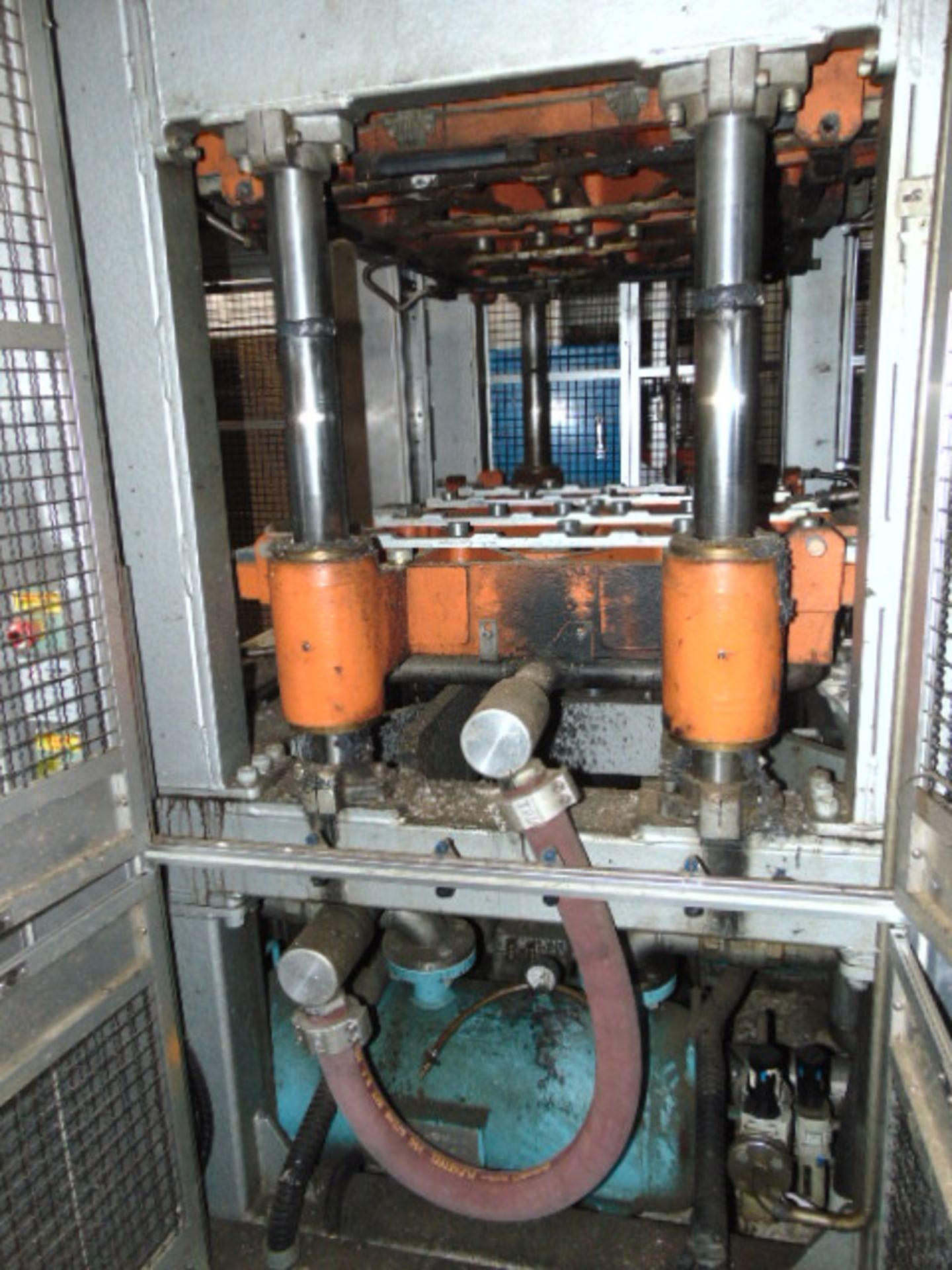 THERMOFORMING MACHINE, TAIWAN PULP MOLDING MDL. TPM-1500, mfg. 5/2015, installed 2016, 1500mm x - Image 4 of 9
