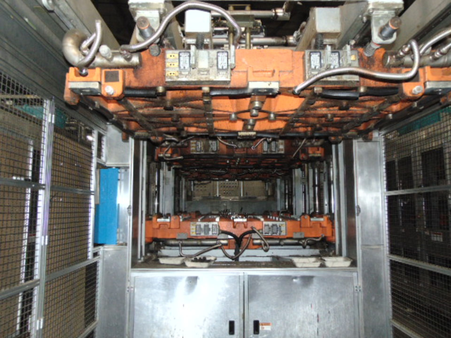 THERMOFORMING MACHINE, TAIWAN PULP MOLDING MDL. TPM-1500, mfg. 5/2015, installed 2016, 1500mm x - Image 2 of 9