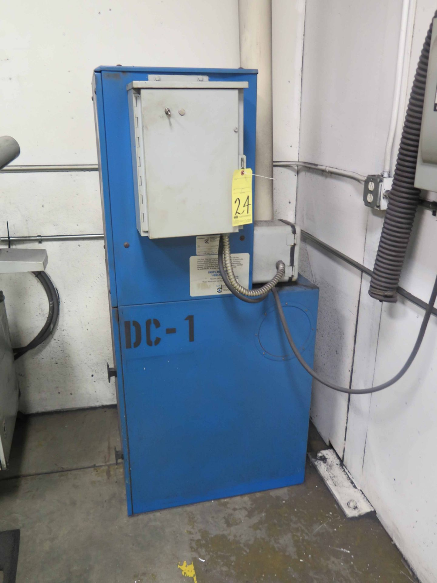 Lot 24 - DUST COLLECTOR, DONALDSON TORIT MDL. VS1200, 3 HP motor, includes suction tubing on wall, S/N