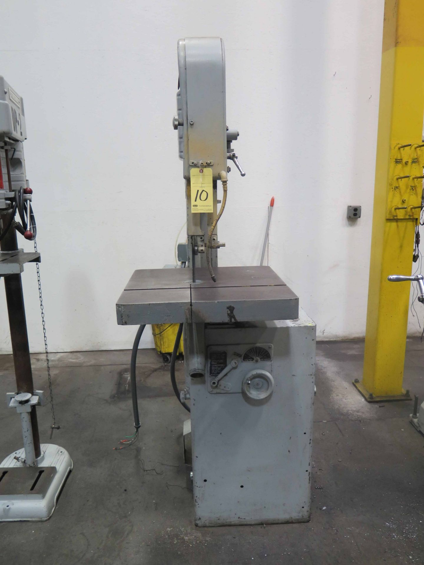 Lot 10 - METAL/WOODCUTTING VERTICAL BANDSAW, DELTA ROCKWELL, variable spd.
