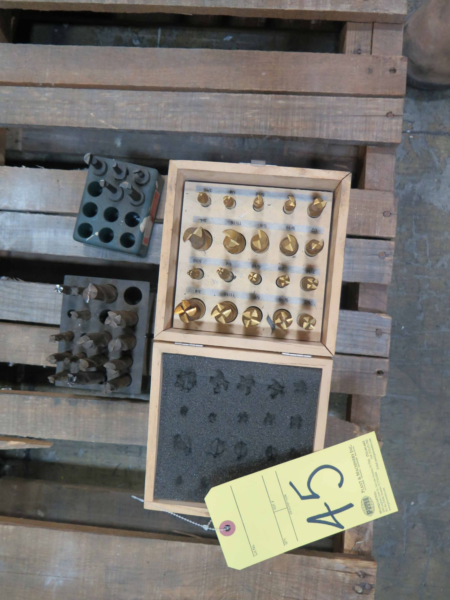Lot 45 - LOT CONSISTING OF: double ended end mills, single end mills & cutters, assorted