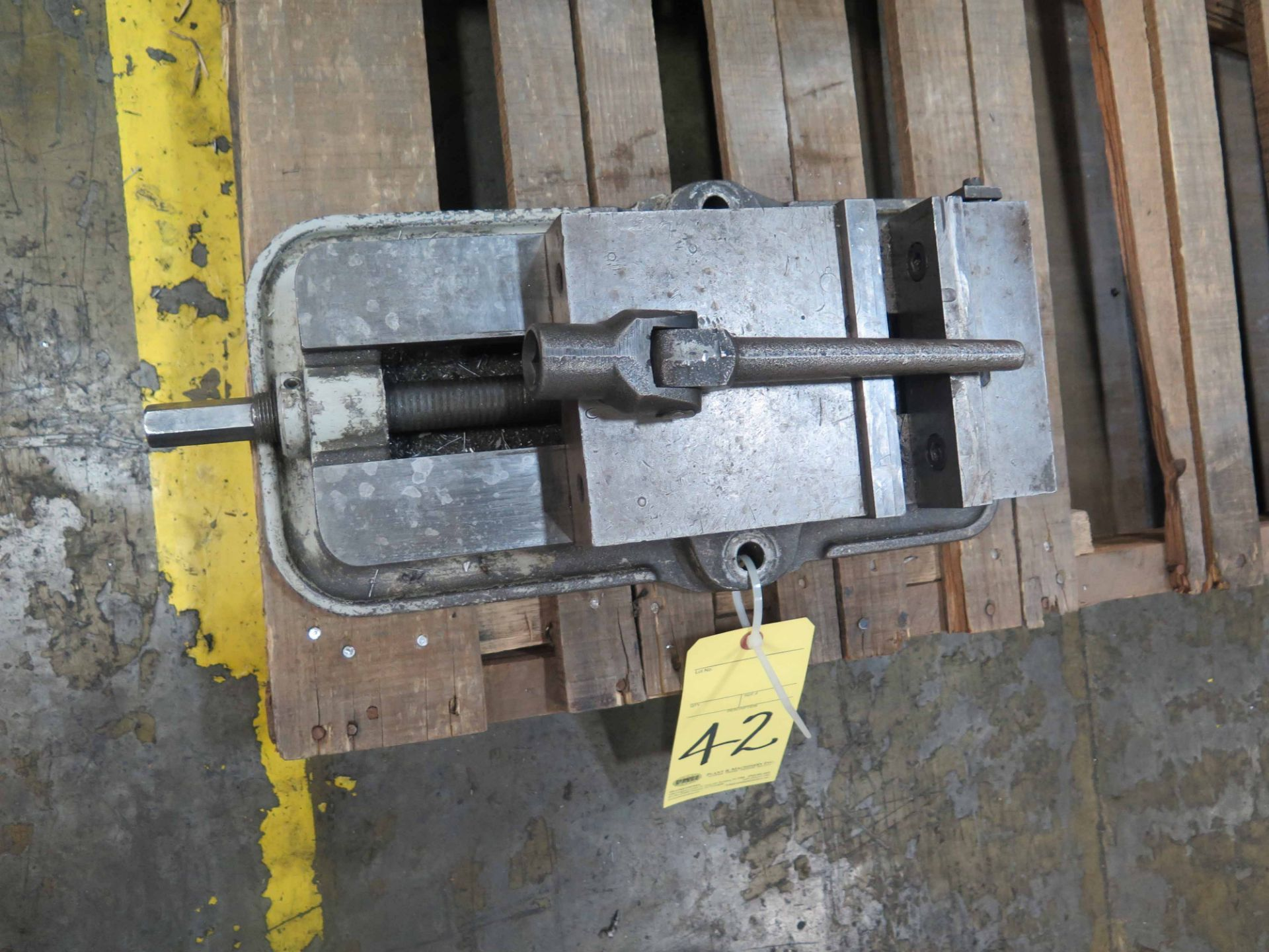 Lot 42 - MACHINE VISE, KURT 6""