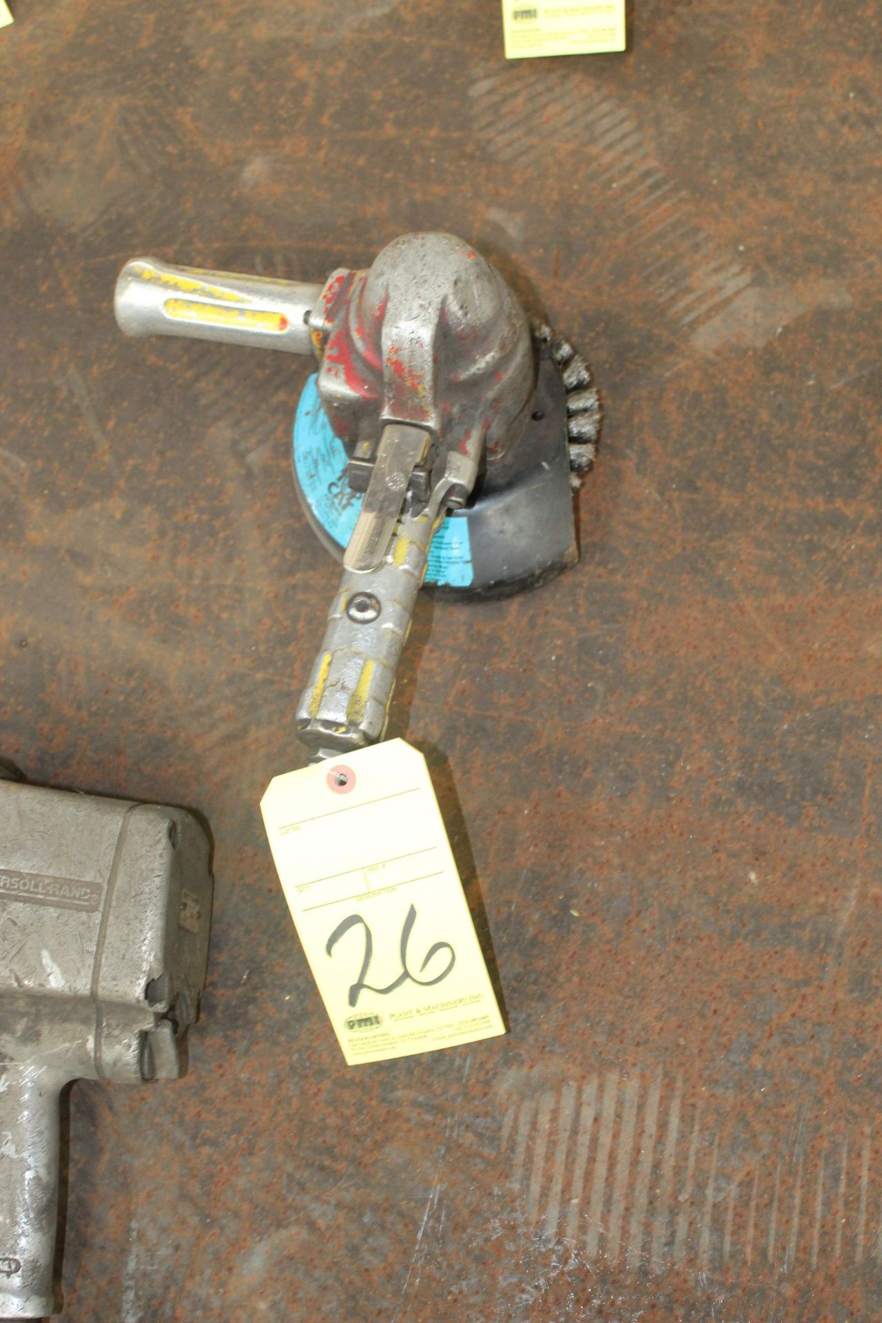 Lot 26 - PNEUMATIC RIGHT ANGLE GRINDER, TOP CAT