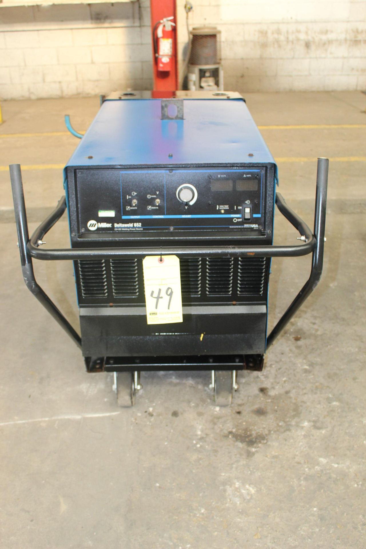 Lot 49 - WELDING MACHINE, MILLER MDL. DELTAWELD 652, 650 amps @ 44 v., 100% duty cycle, S/N MA020982C