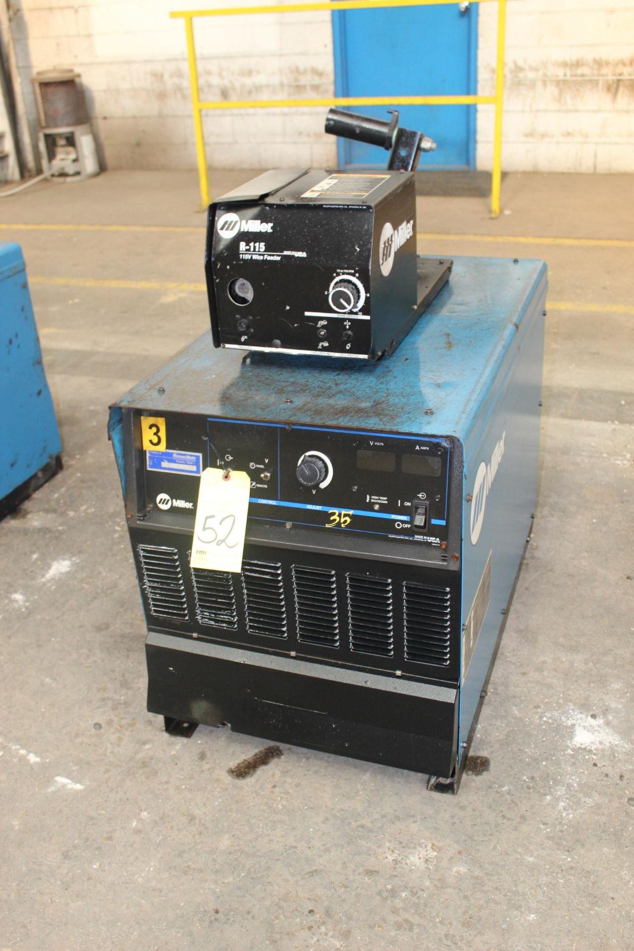 Lot 52 - WELDING MACHINE, MILLER MDL. DELTAWELD 652, 650 amps @ 44 v., 100% duty cycle, Miller R115 wire