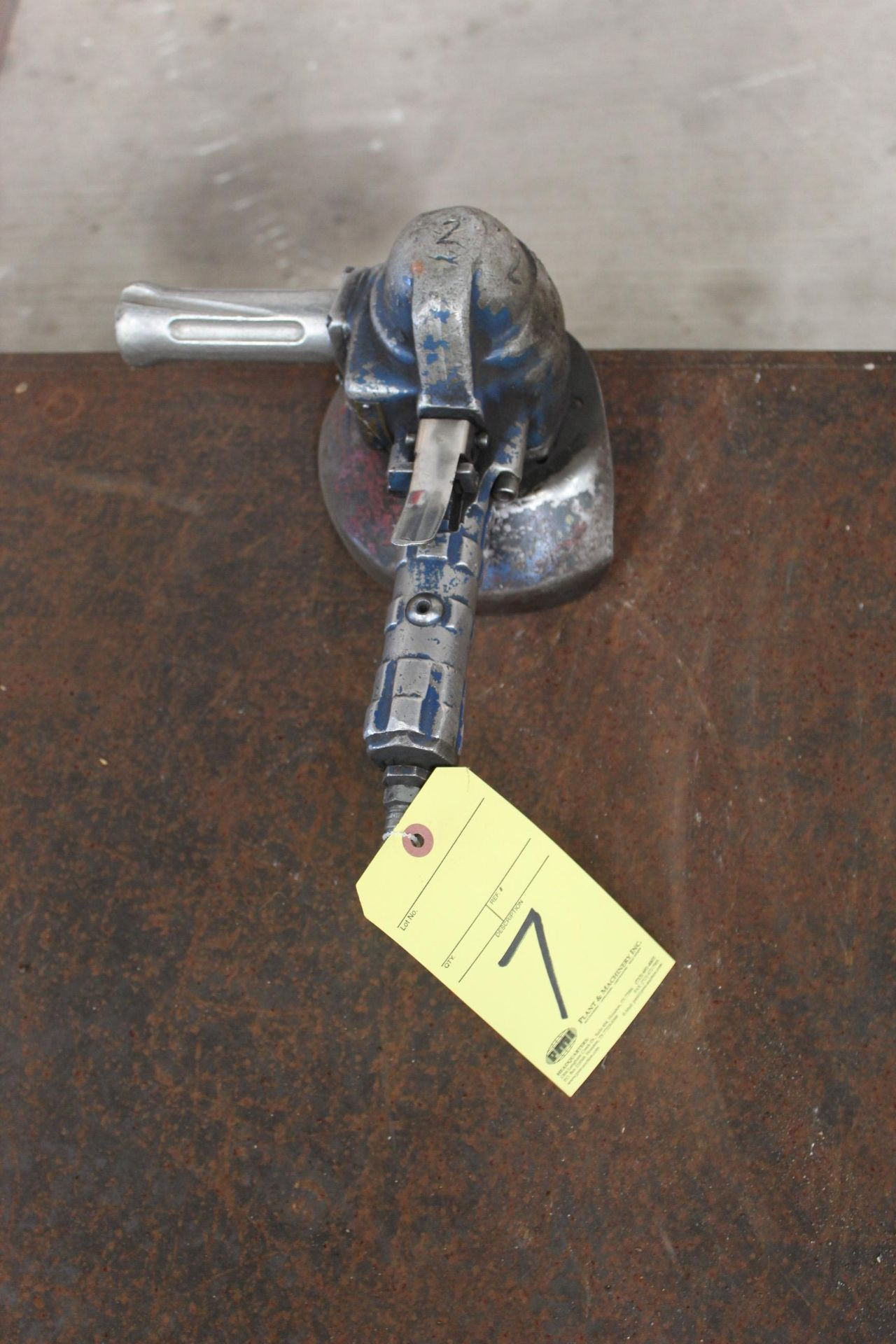 Lot 7 - PNEUMATIC RIGHT ANGLE GRINDER, TOP CAT