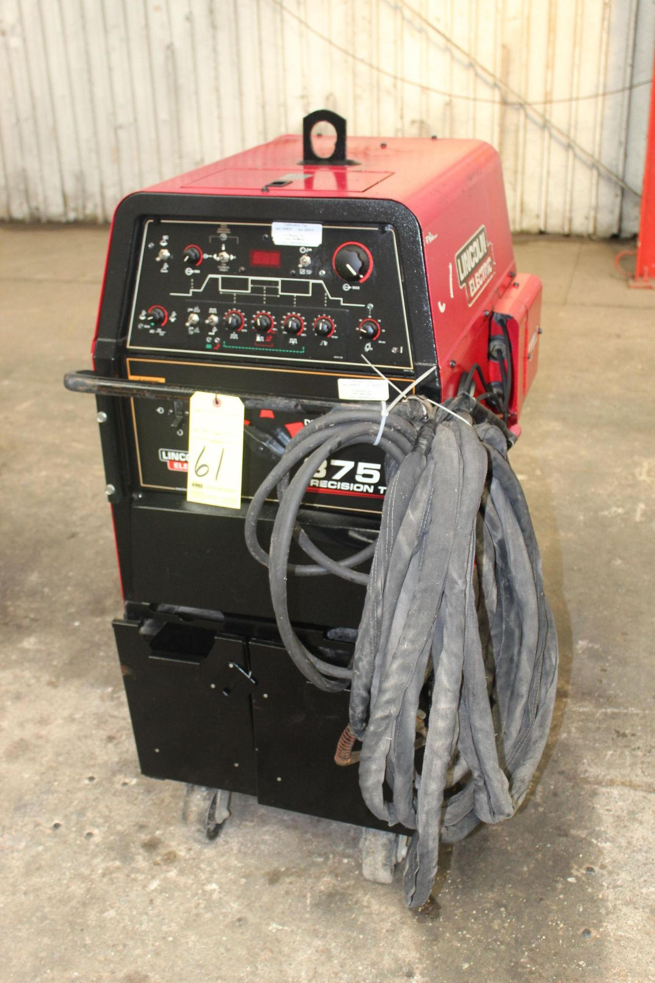 { Choice of lots: 61, 67 } TIG WELDER, LINCOLN ELECTRIC ...