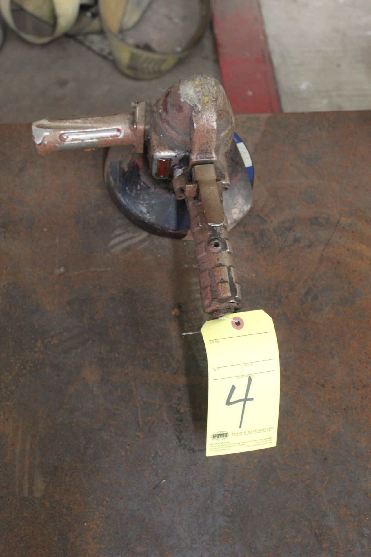 Lot 4 - PNEUMATIC RIGHT ANGLE GRINDER, TOP CAT