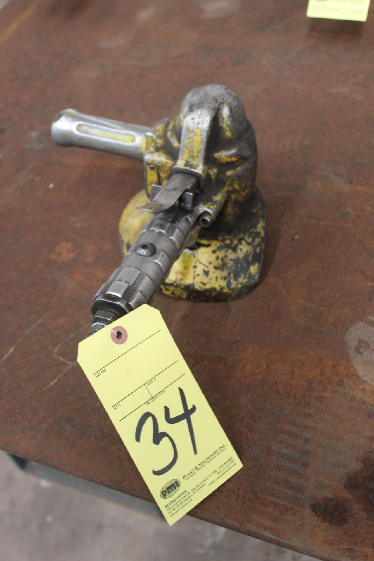 Lot 34 - PNEUMATIC RIGHT ANGLE GRINDER, TOP CAT