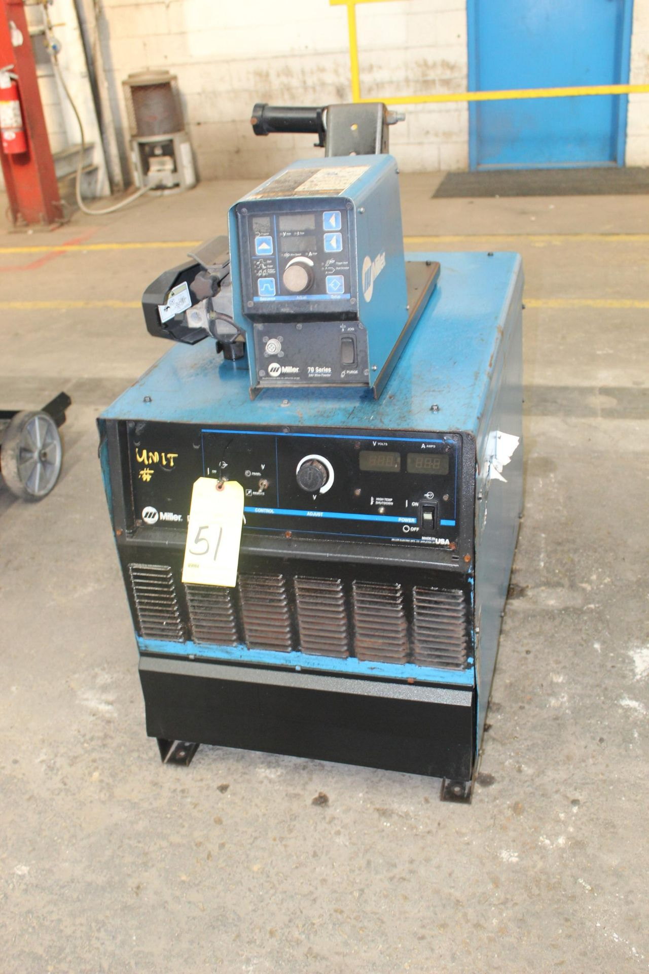 Lot 51 - WELDING MACHINE, MILLER MDL. DELTAWELD 652, 650 amps @ 44 v., 100% duty cycle, Miller 70 Series wire