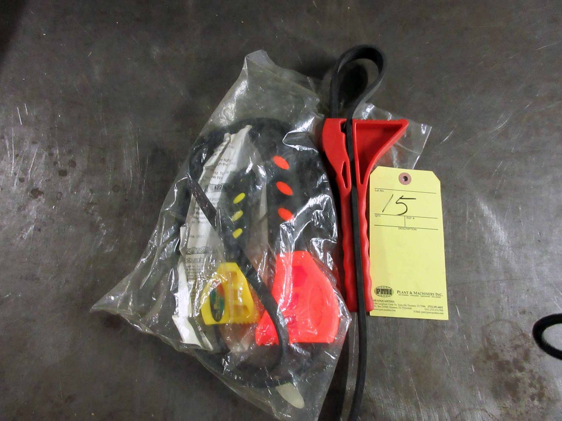 Lot 15 - LOT OF STRAP WRENCHES (3)
