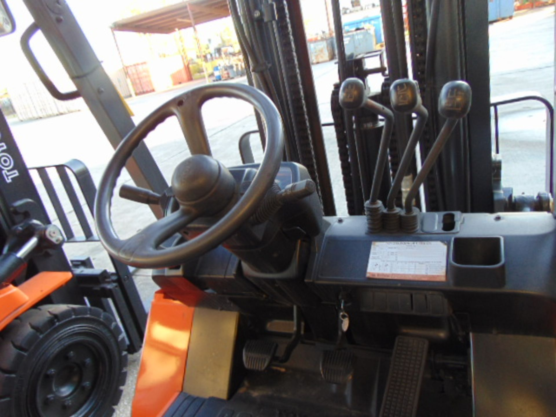 """FORKLIFT, TOYOTA 8,000 LB. BASE CAP. MDL. 7FGU35, new 2014, LPG, 187"""" max. lift ht., 89"""" 3-stage - Image 4 of 8"""