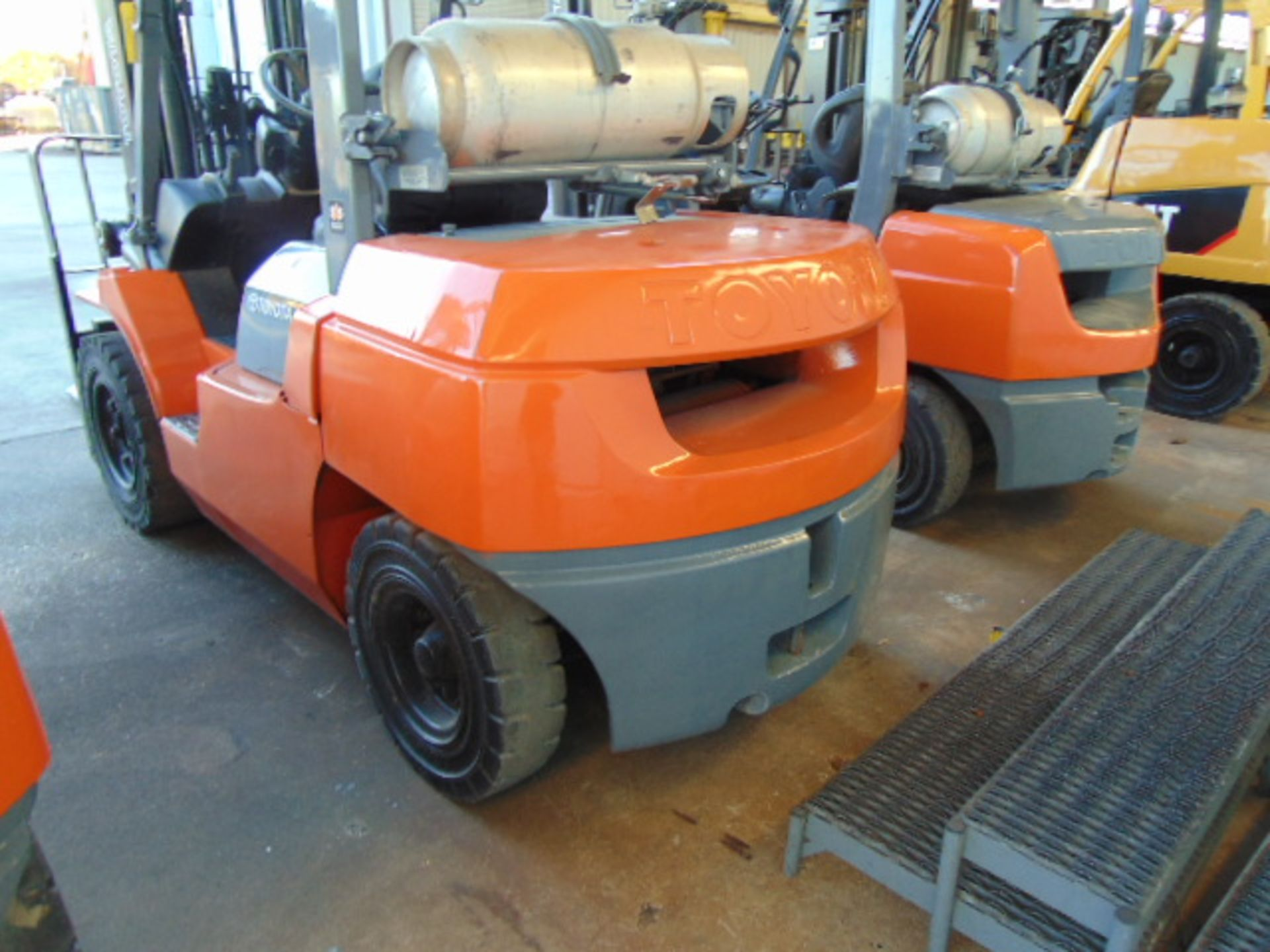 """FORKLIFT, TOYOTA 8,000 LB. BASE CAP. MDL. 7FGU35, new 2014, LPG, 187"""" max. lift ht., 89"""" 3-stage - Image 8 of 8"""