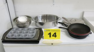 LOT OF BAKING PANS, MIXING BOWLS, FRYING PANS AND COOKING POT