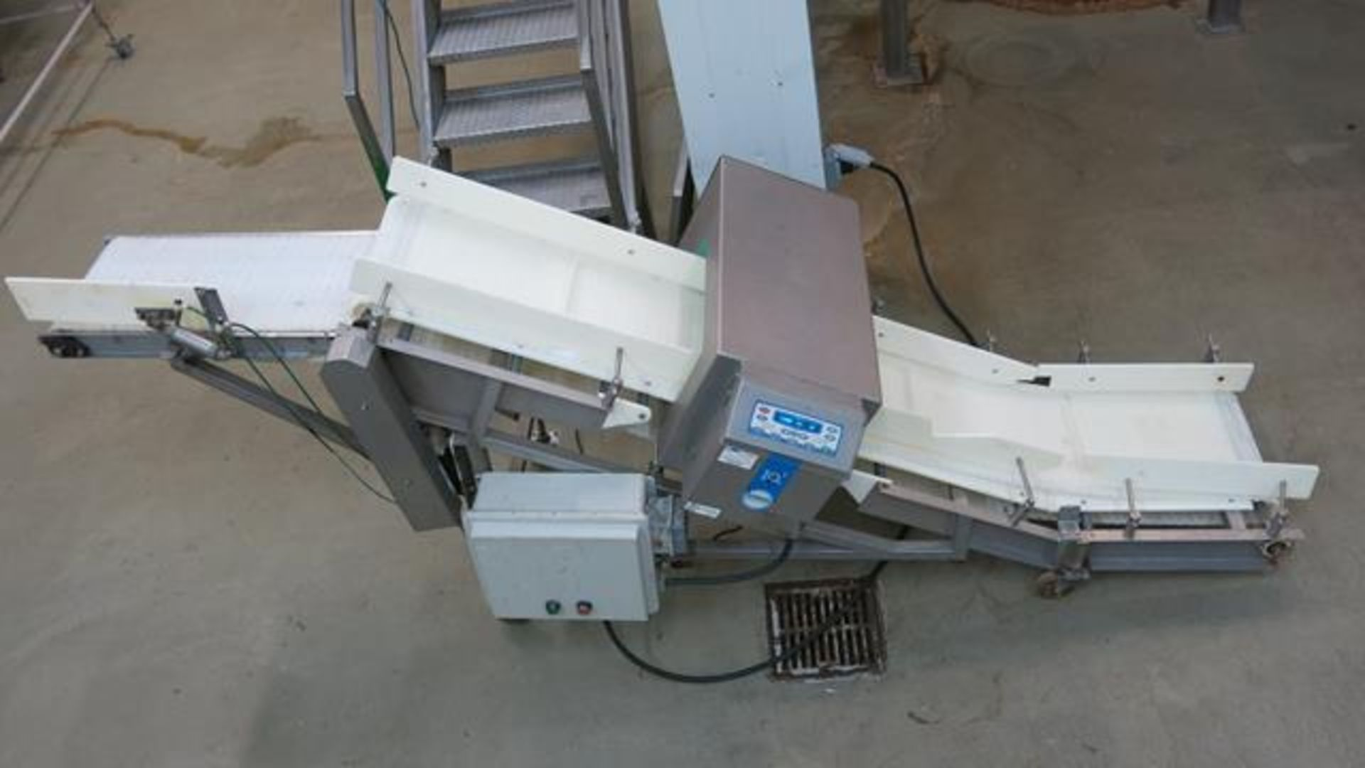 Lot 177 - LOMA, IQ2, STAINLESS STEEL, METAL DETECTOR WITH VARIABLE SPEED CONVEYOR, S/N MDQ0509-11224-61032