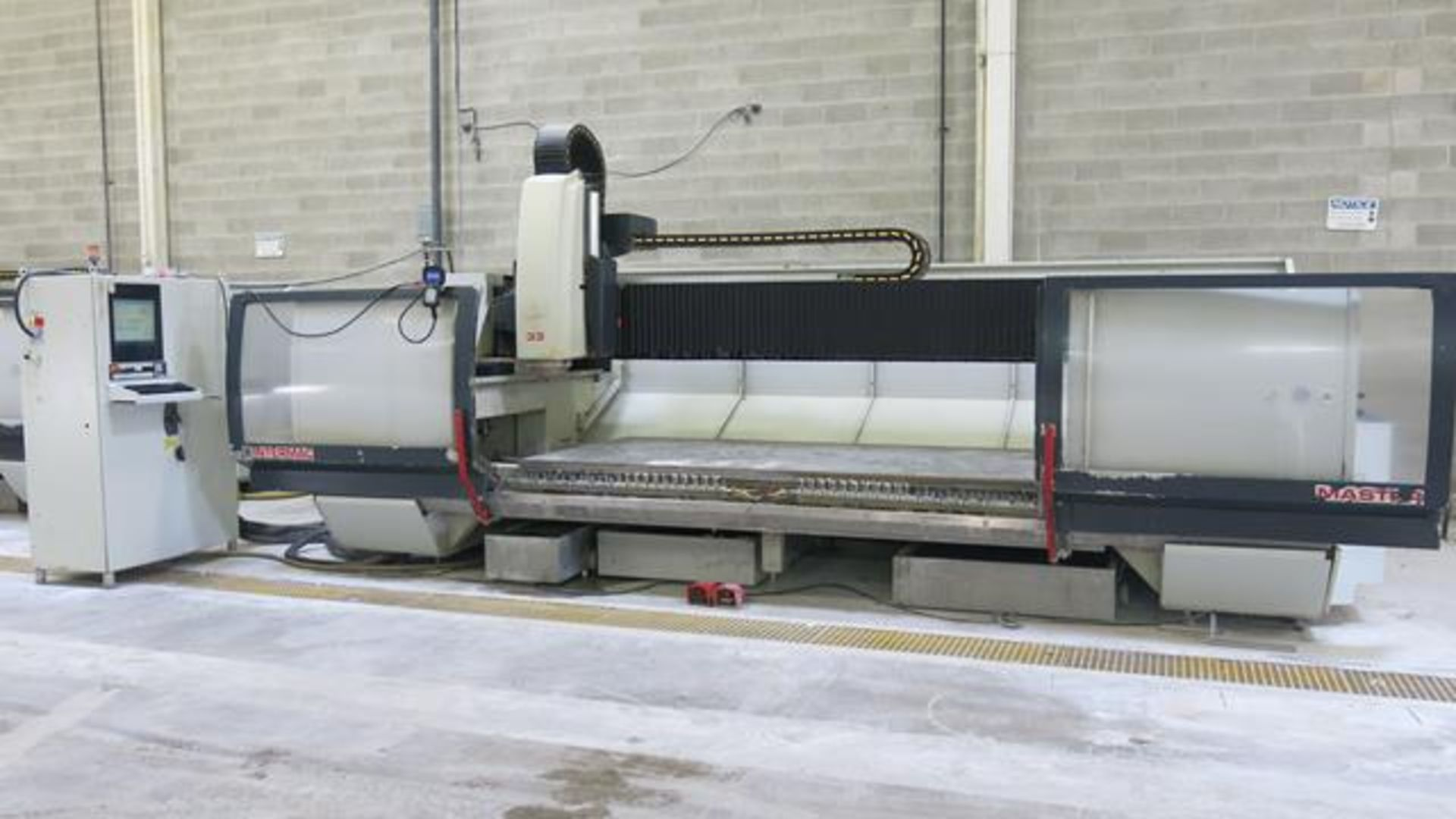 Lot 907 - INTERMAC, MASTER 33 M, CNC STONE AND GLASS MACHINING CENTRE, 13,168 HOURS, S/N 32461, 2008