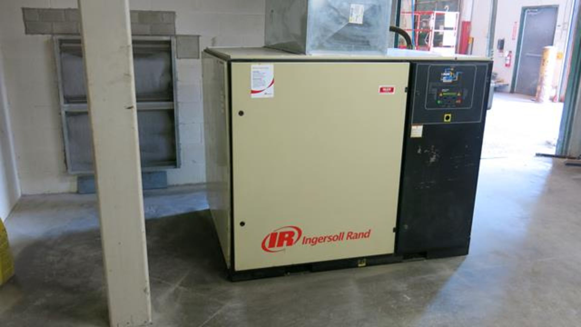 Lot 288 - INGERSOLL-RAND, UP6-50PE-125, 50 HP, ROTARY SCREW, AIR COMPRESSOR, 30,044 LOAD HOURS, 51,340 RUN