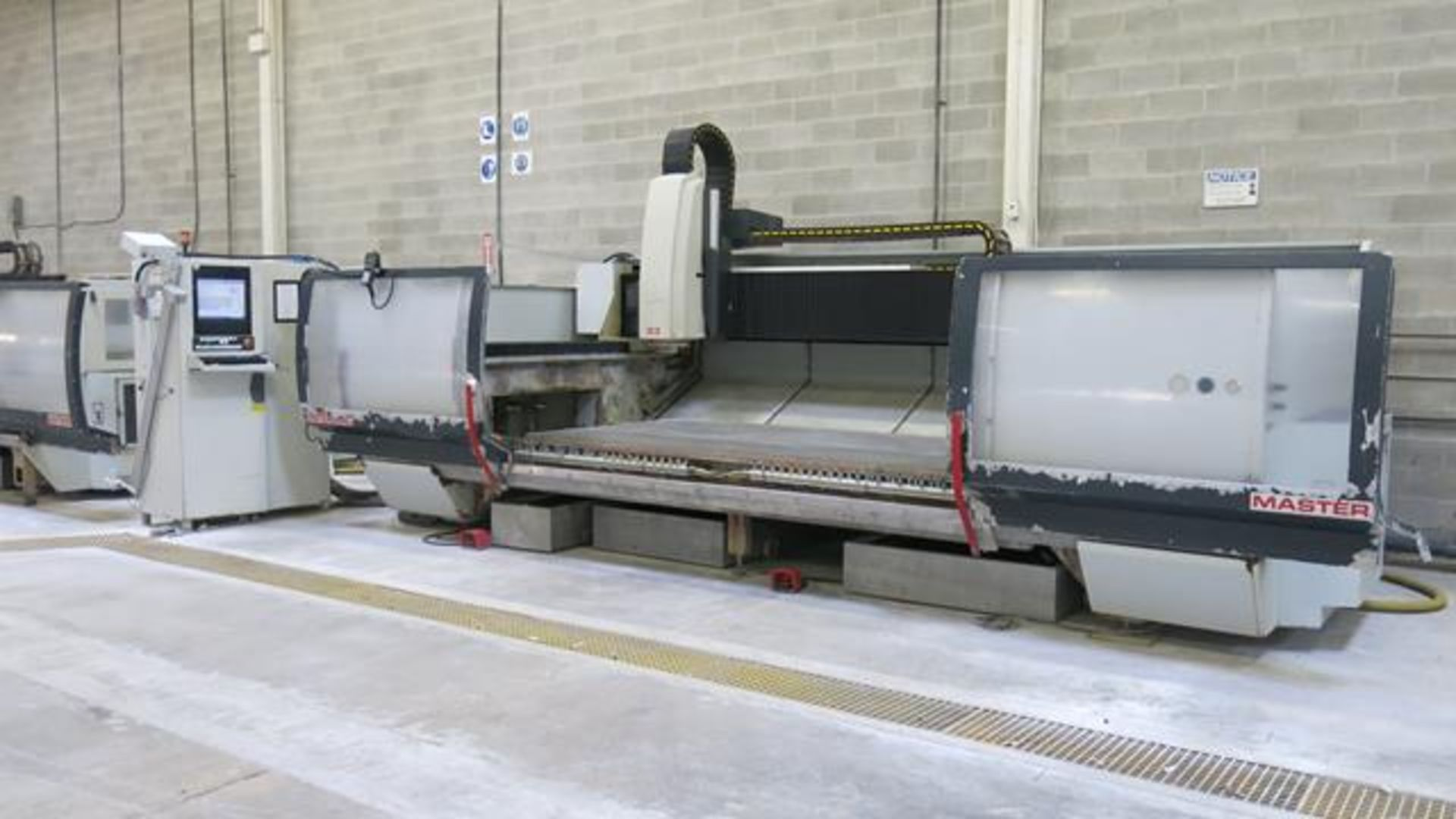 Lot 906 - INTERMAC, MASTER 33 M, CNC STONE AND GLASS MACHINING CENTRE, 12,000 HOURS (APPROX.), S/N 12477, 2007