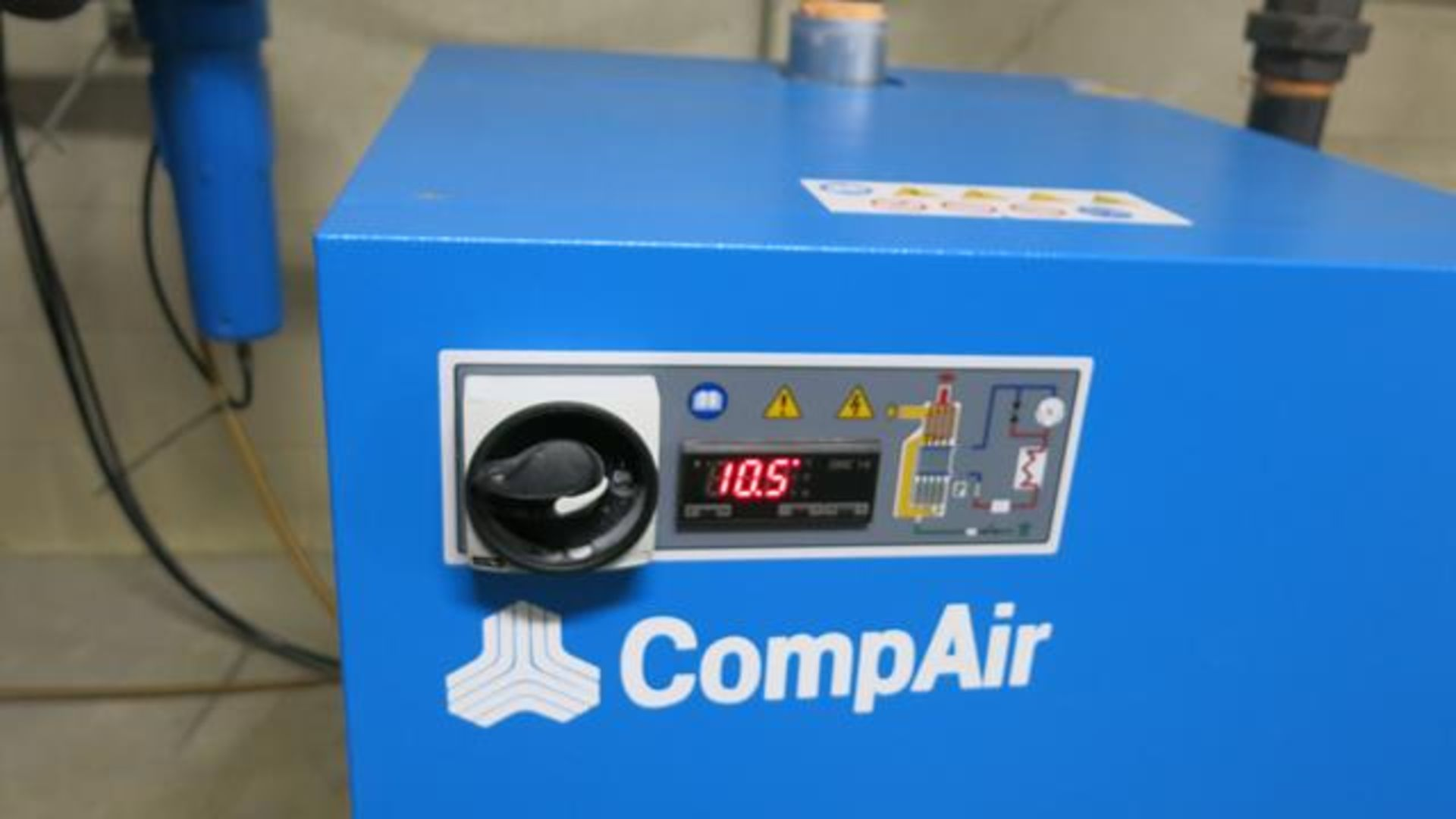 Lot 289 - COMPAIR, CCT35OUE_350 CFM, REFRIGERATED AIR DRYER, S/N 17R009499/17