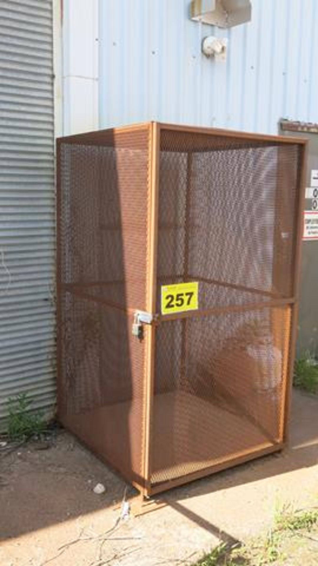 OUTDOOR STORAGE CAGE, 6' X 4' X 4' (CONTENTS NOT INCLUDED)