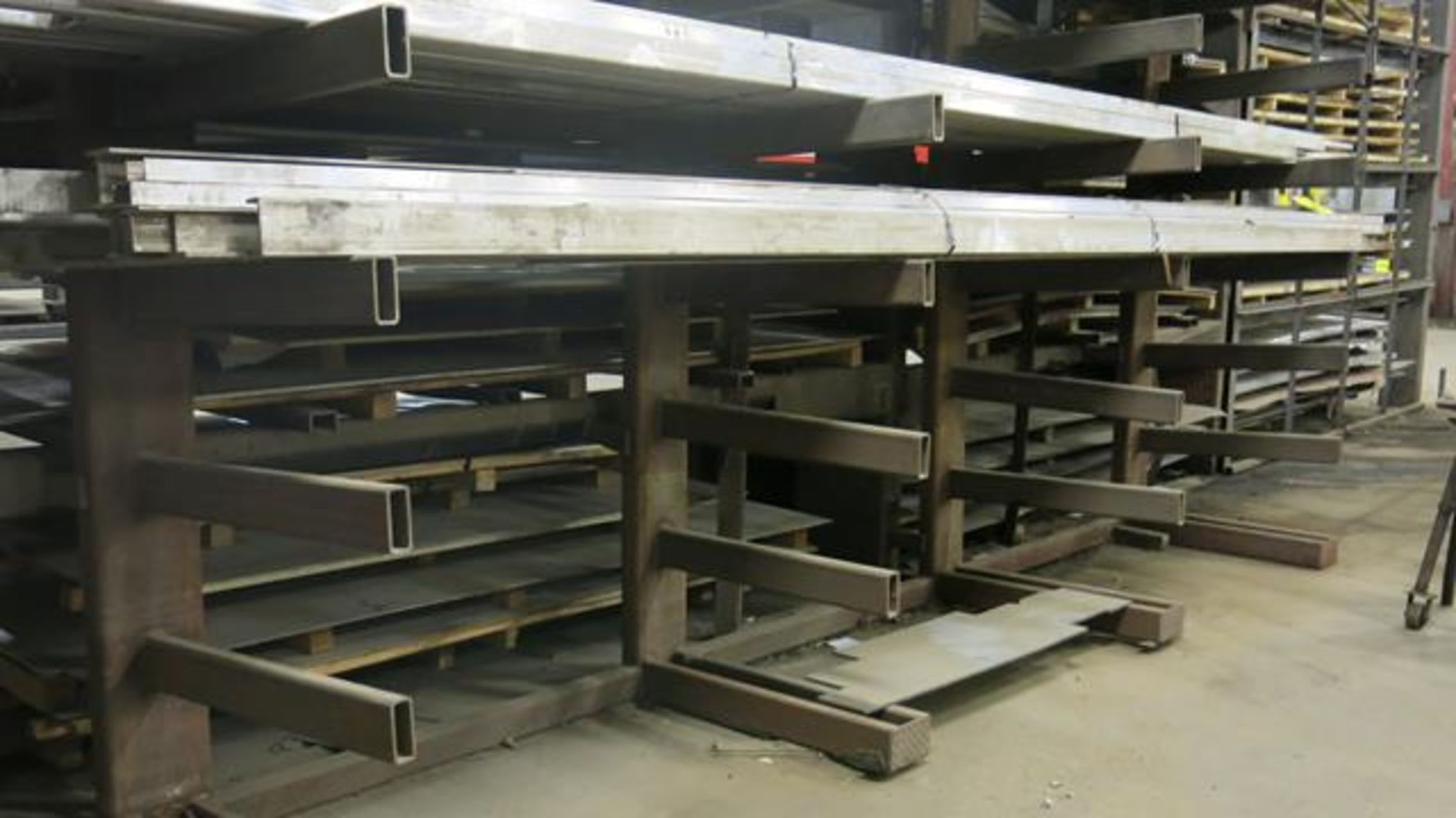 "LOT OF (22) PIECES OF ASSORTED ALUMINUM COMPRISED OF: (2) PIECES OF ALUMINUM, I-BEAMS, 20', 4"" X 4"","