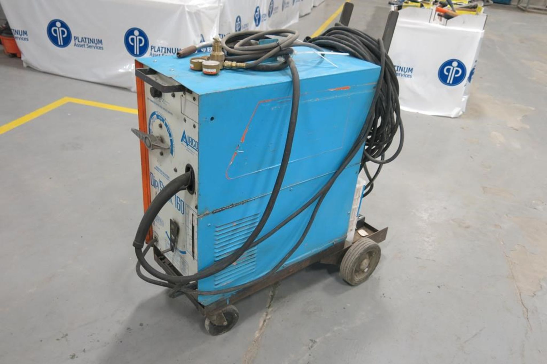 Lot 50A - AIRCO, 200 AMP, ARC WELDER WITH MIG WIRE FEED ATTACHMENT, 220 VAC, SINGLE PHASE