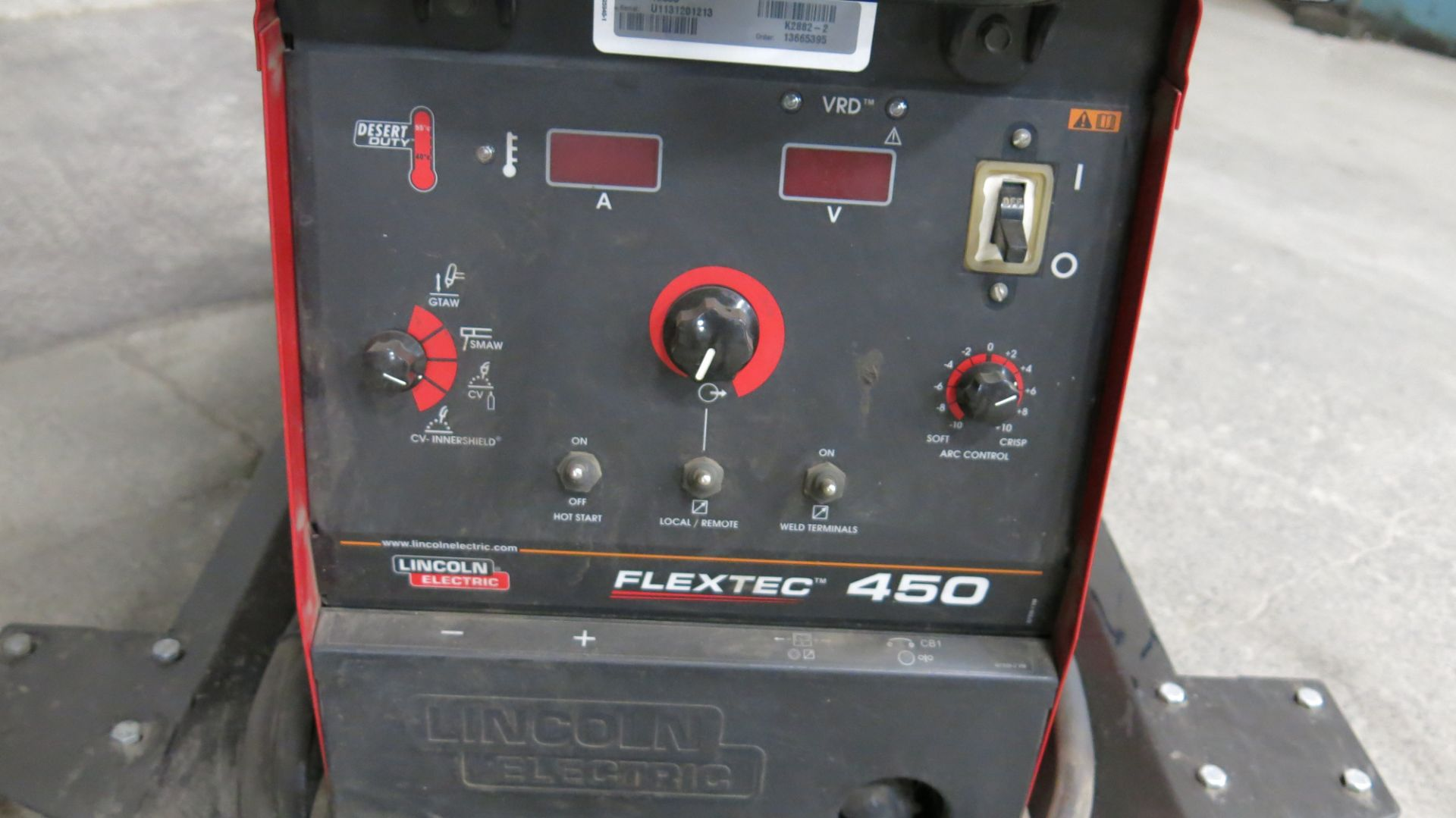 Lot 47 - LINCOLN, FLEXTEC 450, 450 AMP, MULTI PROCESS WELDER (MIG, TIG, STICK, FLUX-CORED, ARC GOUGING)