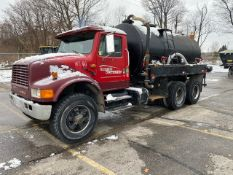 INTERNATIONAL, TANDEM AXLE, WATER TRUCK, 8 SPEED MANUAL TRANSMISSION, 629,239 KMS, VIN #
